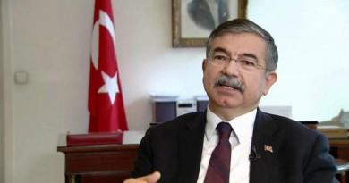 وزير الدفاع التركي عصمت يلمظ