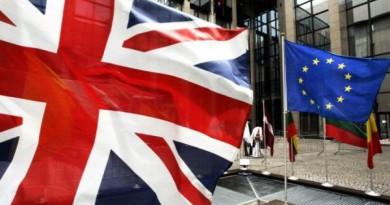 محادثات الاتحاد الأوروبي وبريطانيا تواجه عقبات