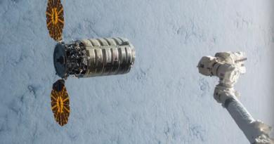 تجربة فريدة لإشعال النيران في مركبة في الفضاء