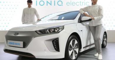 هيونداي موتور تكشف النقاب عن سيارة آيونيك الكهربائية في معرض EV