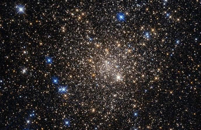 اكتشاف نجوم عملاقة تفوق الشمس 100 مرة