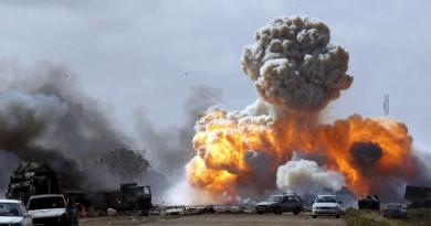انفجارات وإطلاق نار كثيف في العاصمة الليبية