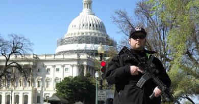 اعتقال مسلح فتح النار في مركز للزائرين في الكونجرس الأمريكي