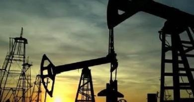 الكويت تتوقع ارتفاع النفط فوق 50 دولارا