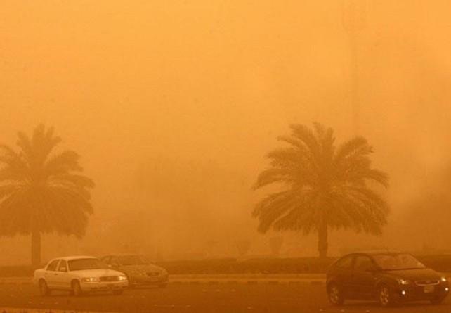 عاصفة ترابية تجتاح محافظة سوهاج