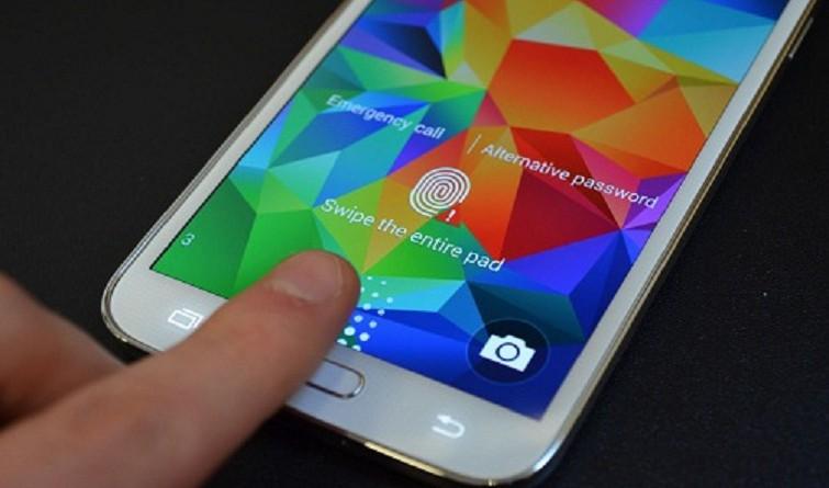 """اختراق """"بصمة الإصبع"""" في الهواتف الذكية أصبح سهلا"""