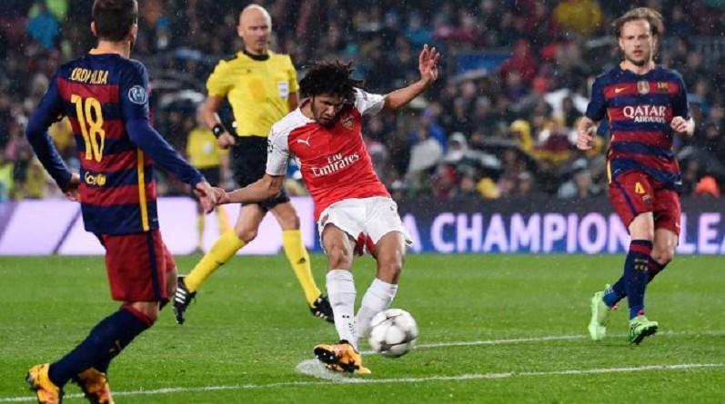 المصري محمد النني لاعب فريق آرسنال الإنجليزي