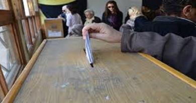 استطلاع رأي: إجراء انتخابات جديدة في إسبانيا لن يكسر الجمود السياسي