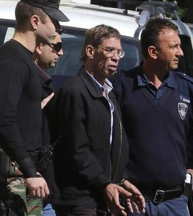 قبرص تحبس خاطف الطائرة احتياطيًا