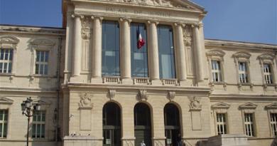 """فرنسا.. السجن لـ12 شخصا انضموا إلى """"شبكة متطرفة"""""""