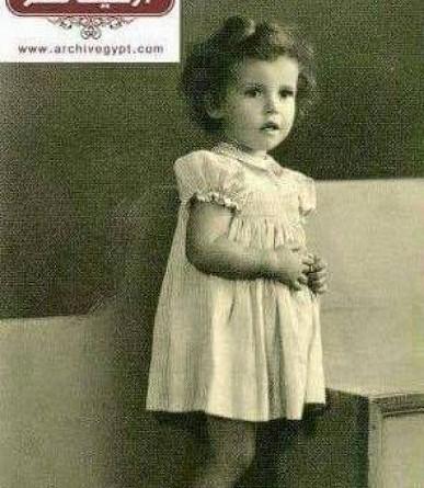 من هي الممثلة العربية الشهيرة صاحبة الصورة؟