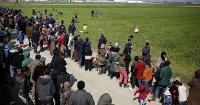 اليونان تبدأ البت في طلبات اللجوء خلال أسبوعين
