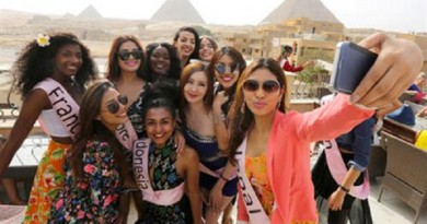 ملكات جمال العالم من أمام الأهرامات: نشعر بالأمن والأمان في مصر