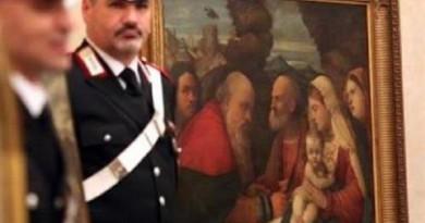 الشرطة الإيطالية تسترد لوحات سرقتها قوات النازي في ميلانو