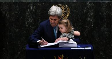 رؤساء دول ومسؤولين يوقعون اتفاق باريس حول المناخ