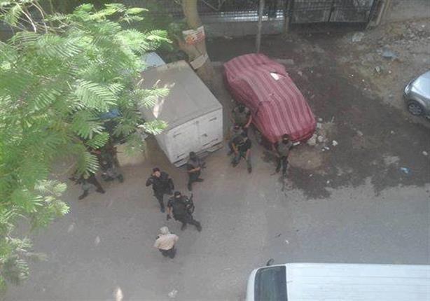 قوات الامن تحاصر مقر الحزب