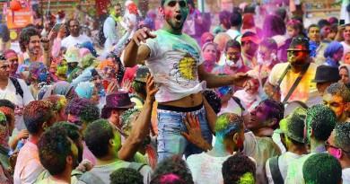 """""""مهرجان الألوان"""" الهندي يضفى بهجة في قلب القاهرة"""