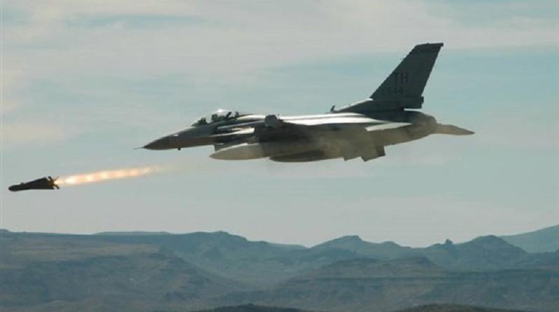 """اليمن.. مصرع 7 عناصر من """"القاعدة"""" في قصف للتحالف العربي"""
