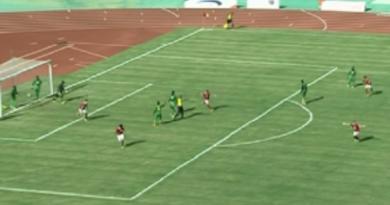 الأهلي يقترب من دوري المجموعات بعد تعادله أمام يانج أفريكانز