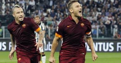 نجم روما يختار أفضل 4 لاعبين جاورهم في مسيرته