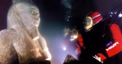 """للمرة الأولى.. عرض الكنوز الفرعونية الغارقة """"أتلانتس مصر"""""""