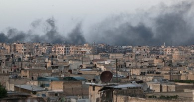 حلب تستغيث : غارات تمطر حلب «المستثناة» من الهدنة ونزوح جماعي لسكانها