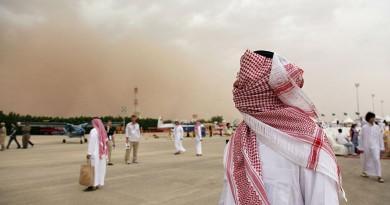 رياح مثيرة للأتربة تهب على السعودية
