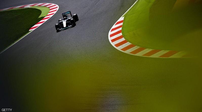 """لويس هاميلتون ينطلق من المركز الأول في """"إسبانيا"""""""
