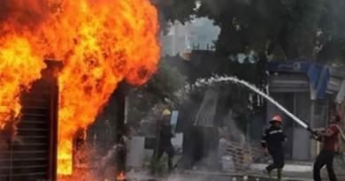 الحماية المدنية تسيطر على حريق بمخزن للمواد الغذائية بمدينة قويسنا