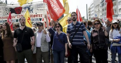"""إضراب """"ضد التقشف"""" يشل اليونان"""