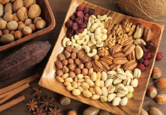 فوائد تناول المكسرات في رمضان