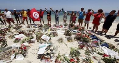 بعد مرور عام على الهجمات.. السياحة في تونس تتعثر