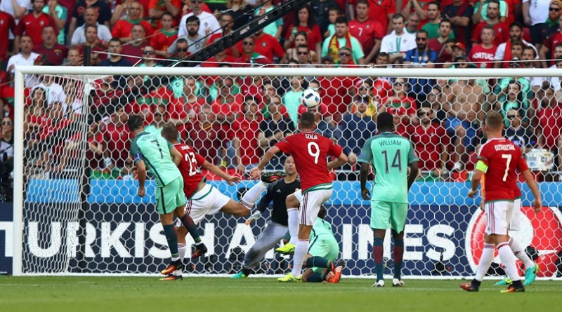 رونالدو يقود البرتغال إلى الدور الثاني في اليورو بعد التعادل مع المجر (صور)