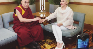 ليدي جاجا مع الدالاي لاما
