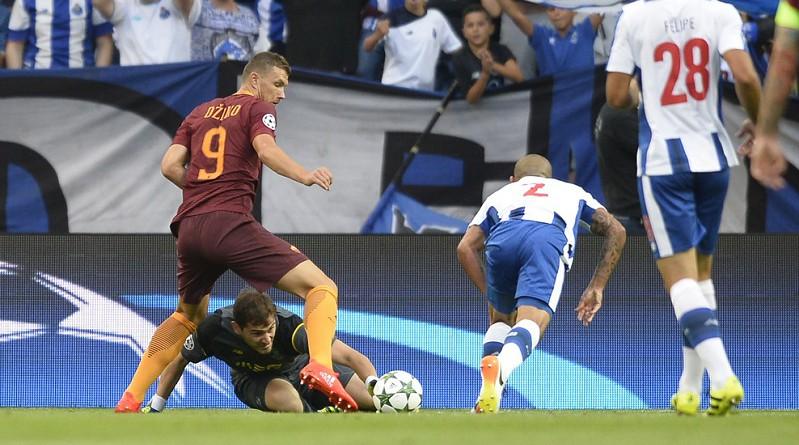 روما يتعادل مع بورتو في رحلة التأهل لمجموعات دوري الأبطال (صور)
