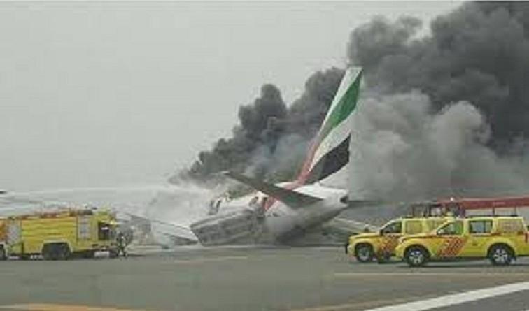 طيران الإمارات: هناك 14 مصابا جراء الحادث 10 منهم غادروا المستشفى