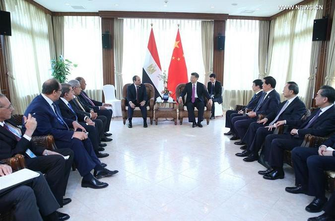 السيسي والرئيس الصيني يناقشان التنمية