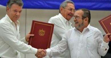 """5 مراحل أساسية في تاريخ حركة التمرد """"فارك"""" بكولومبيا"""