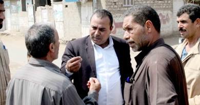 """بالصور .. رئيس مدينة بنى عبيد يزور قرية """" الحدادة """" ويستمع لمطالب المواطنين"""