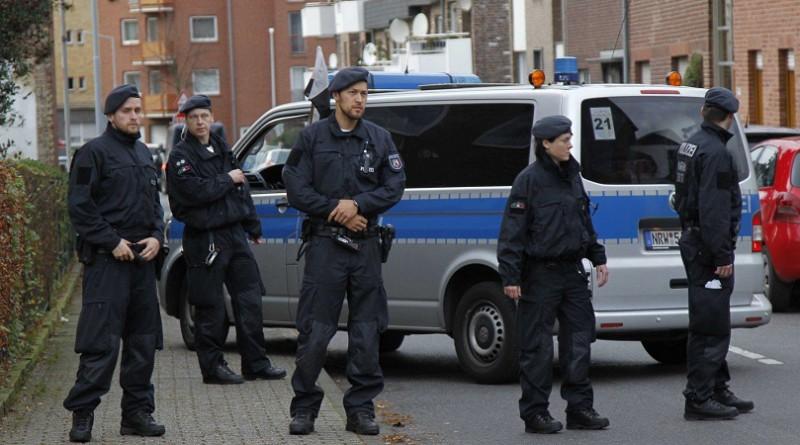 انفجار عبوتين ناسفتين في مسجد ومركز للمؤتمرات في دريسدن بألمانيا