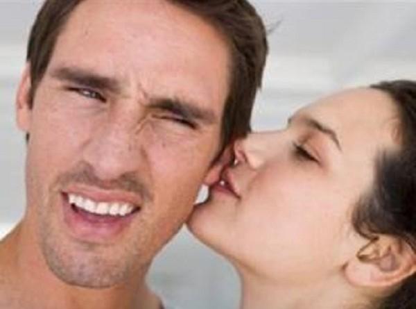 """علماء يكتشفون علاقة بين """"هرمون الحب"""" وطنين الأذن"""