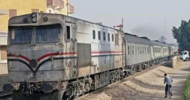 إصابة 10 أشخاص جراء انقلاب قطار في العياط