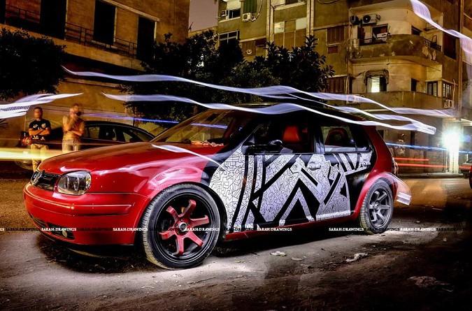 فتاة مصرية ترسم على السيارات تاتو!!