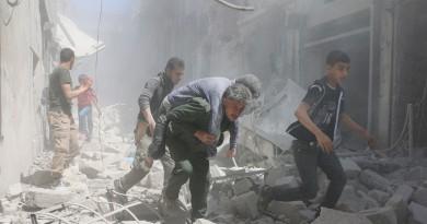 مقتل العشرات فى غارات روسية على حلب