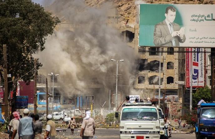 """""""رويترز"""": مخاوف أمريكية من العواقب القانونية للقصف السعودي في اليمن"""