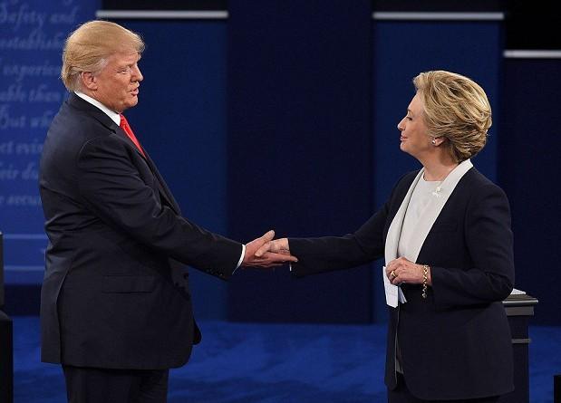 """""""سي إن إن"""": ترامب يخسر مجددا في المناظرة الثانية مع هيلاري كلينتون أمام الناخبين"""