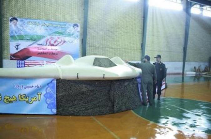 إيران تعرض طائرة جديدة بدون طيار نسخة من طائرة أمريكية