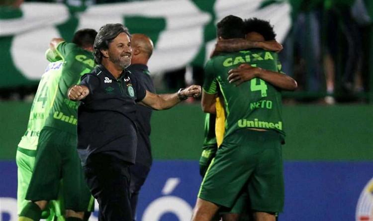 مدرب فريق شابيكوينسي البرازيلي كايو جونيور