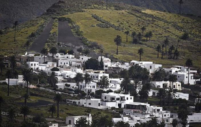 """أهالي قرية إسبانية يتحولون لـ """"مليونيرات"""".. تعرف على السبب"""
