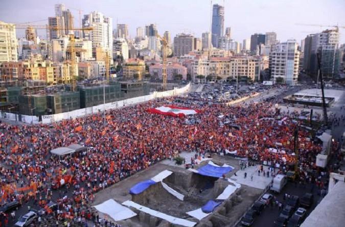 الجماهير تحيي رئيس الجمهورية اللبنانية الجديد